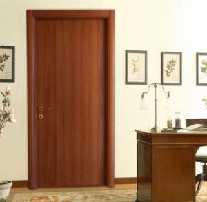 Πόρτα Εσωτερική σε Καρυδιά