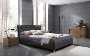 Κρεβάτι ντυμένο με καπιτονέ
