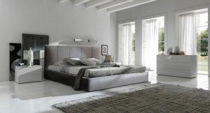 Ντυμένο κρεβάτι με αδιάβροχο ύφασμα