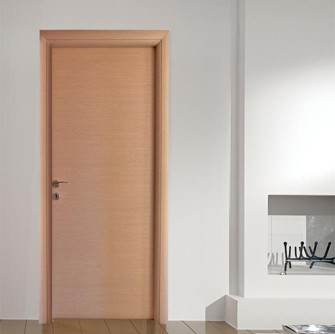 Εσωτερική Πόρτα σε Ανοιχτό Χρώμα Δρυός