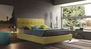 Ντυμένο κρεβάτι με καπιτονέ κεφαλάρι